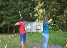 Handboogschieten tijdens een kamp in de Ardennen
