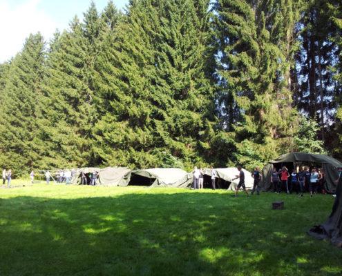 Basis tijdens een schoolkamp in de Ardennen