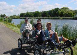 Familiefiets bij de Rhederlaagse Meren