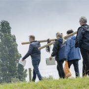 Hiking tijdens een groepsuitje in Gelderland