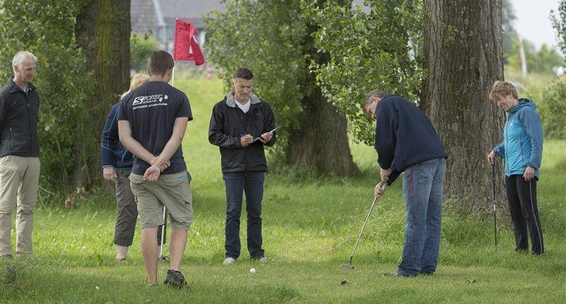 Golf tijdens een gezellig bedrijfsuitje in Gelderland
