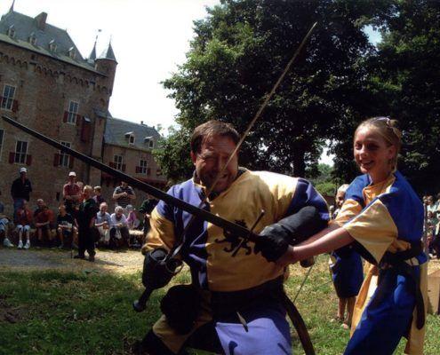 Workshop zwaardvechten tijdens een uitje in Gelderland