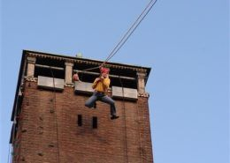 Tokkelen tijdens een actief bedrijfsuitje in Gelderland
