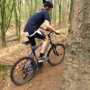Mountainbiken tijdens een uitje Hiking kaart en gps tijdens een personeelsuitje in Gelderland