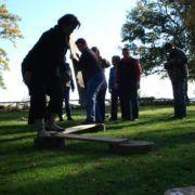 Activiteit 'Eilanden oversteek' tijdens een training en teambuilding Hiking kaart en gps tijdens een personeelsuitje in Gelderland