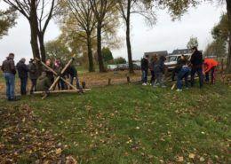 Katapult bouwen bij een training in Gelderland